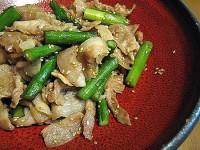 小金井野菜-グリーンアスパラガスと豚ばら肉の胡麻炒め