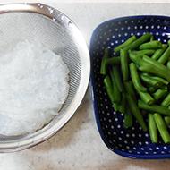 いんげんと春雨の炒め煮(行程1)