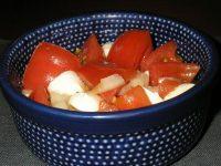 トマトのマリネとモッツァレーラ